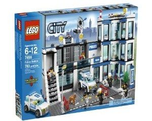 LEGO Police Station 7498 Deal